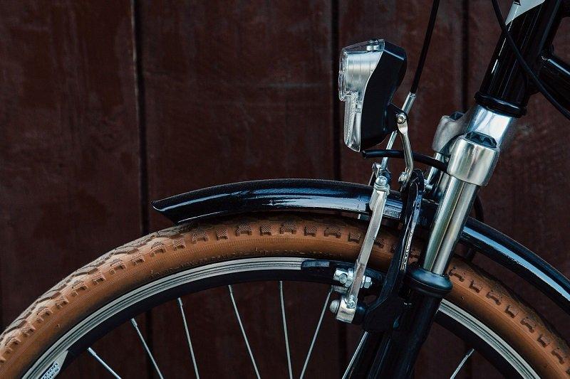 Dowiedz się jak wycentrować koło w rowerze