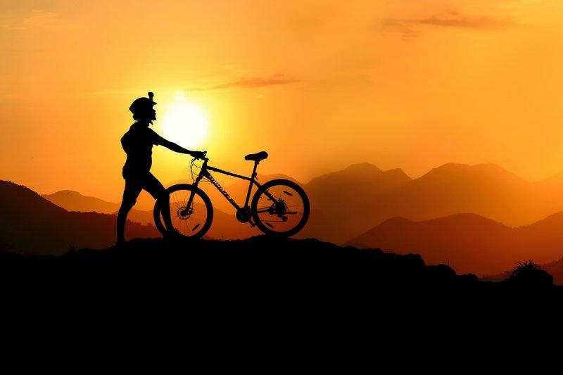 Rowerzysta-w-gorach